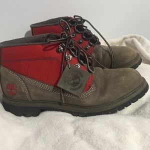 Timberland work or hiking boots/ Unisex